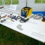 Zum Dellendrücken stehen uns verschiedene Spezialwerkzeuge zur Verfügung.